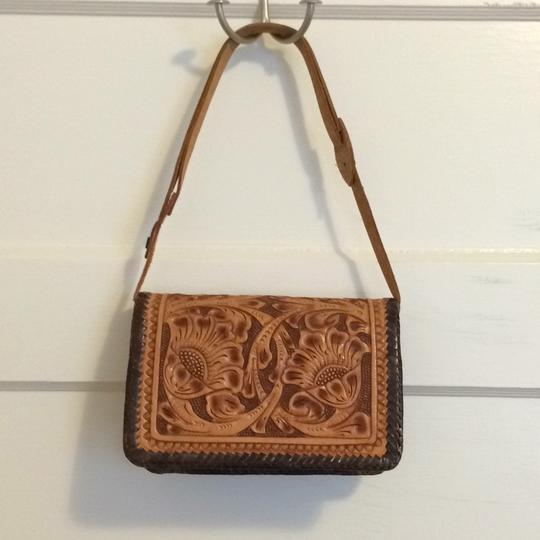 Other Leather Flowers Tooled Shoulder Bag Image 3