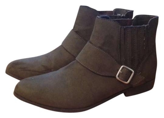 Preload https://item3.tradesy.com/images/olive-green-bootsbooties-size-us-9-165272-0-0.jpg?width=440&height=440