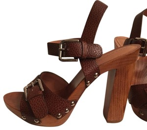 Dolce&Gabbana Contemporary Trendy Brown Sandals