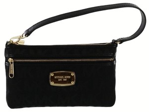 Michael Kors Clutch Wallet Signature Signature Signature Wristlet in Black