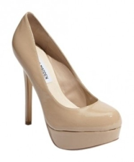 Preload https://item2.tradesy.com/images/steve-madden-nude-pantent-leather-blush-pumps-size-us-8-16531-0-0.jpg?width=440&height=440