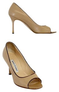 Manolo Blahnik Nude Brown Trimmed Leather Pumps