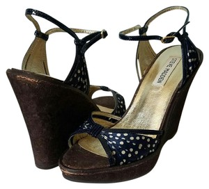 Steve Madden Navy & White Wedges