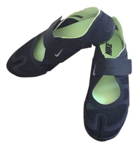 Nike Black And Lime Green Athletic