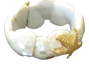 Chico's Chico's Mother of Pearl and Gold Starfish bracelet