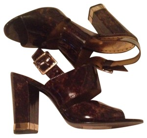 BCBGeneration Glossy Casual Club Brown Gold Pumps