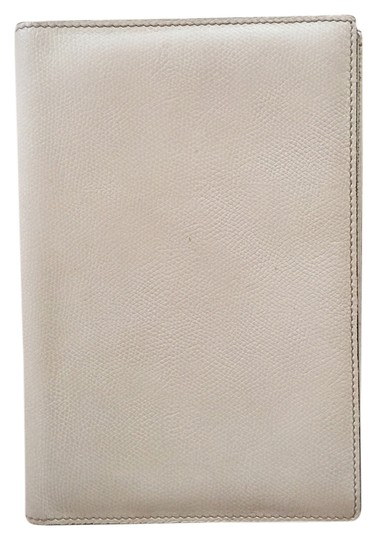 Preload https://item4.tradesy.com/images/valextra-off-white-leather-ipad-mini-case-tech-accessory-1653878-0-0.jpg?width=440&height=440
