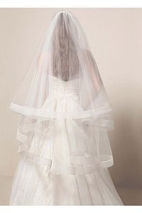 Vera Wang Ivory Medium Two Tier Mid Mid Length with Horsehair Trim Bridal Veil