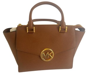 Michael Kors Satchel in Luggage / Tan