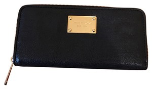 Michael Kors Wristlet in Black, Gold