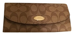 Coach Wristlet in Maroon, Brown