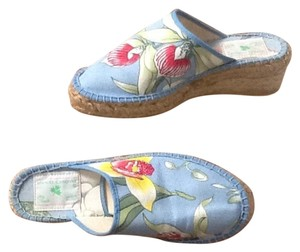 Manuel Canovas Light Blue, Red, Green, Yellow Wedges