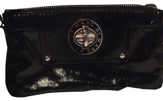 Preload https://item1.tradesy.com/images/marc-by-marc-jacobs-black-clutch-1655210-0-0.jpg?width=440&height=440