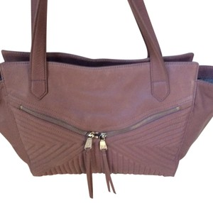 Christopher Kon Tote in Silverlight