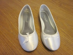 White Satin Dyeable Ballet Flats Formal Size US 8.5 Regular (M, B)