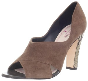 Tracy Reese Brown Pumps