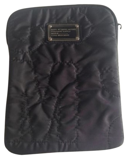 Preload https://item4.tradesy.com/images/marc-by-marc-jacobs-black-ipad-case-great-condition-tech-accessory-1655748-0-0.jpg?width=440&height=440
