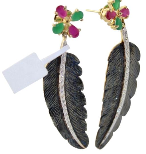 Preload https://item5.tradesy.com/images/christmas-red-and-green-antique-finish-leaf-hangings-earrings-1655874-0-0.jpg?width=440&height=440