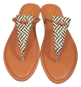 Rowen Black and white Sandals