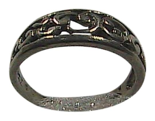 Preload https://item5.tradesy.com/images/sterling-silver-swirl-band-20-grams-01-ring-1656089-0-0.jpg?width=440&height=440