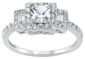 9.2.5 Gorgeous white topaz princess cocktail ring. Size 7.nini