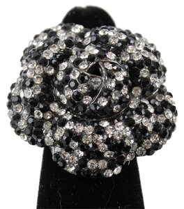 Gunmetal Black Clear Pave Set Rhinestones Flower Stretch Ring Bj14