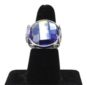 Blue Faceted Silvertone With Rhinestones Round Ring Bj14