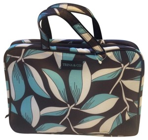 Trina & Co Floral Cosmetic Case
