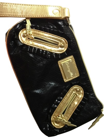 Preload https://img-static.tradesy.com/item/165659/betsey-johnson-black-clutch-0-0-540-540.jpg