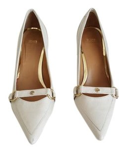 Hugo Boss Cream Pumps