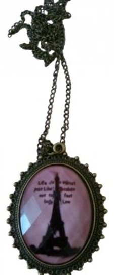 Preload https://img-static.tradesy.com/item/165709/pink-paris-eiffel-tower-romantic-cameo-charm-necklace-0-0-540-540.jpg