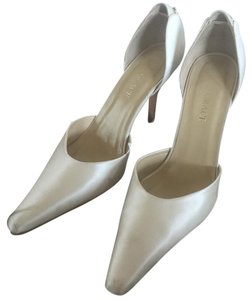 Grace Footwear Pumps