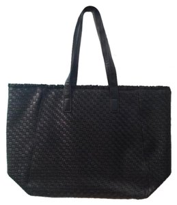 Estée Lauder Tote in BLACK QUILTED