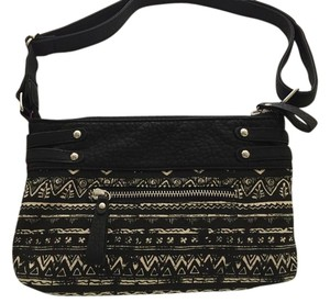 Maui and Sons Canvas Cross Body Bag
