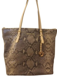Michael Kors Tote in Sand python