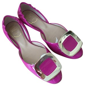 Roger Vivier Chips Silvertone Patent Leather Fuchsia Flats