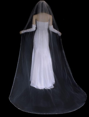 White Rhinestone And Crystal Beaded Cathedral Length Wedding Veil 20 Off 16579576