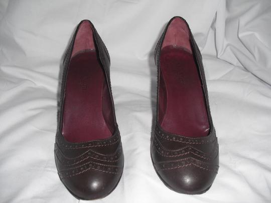 Max Mara Leather Rounded Toe Brown Pumps