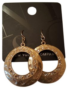 New York & Company Beautiful Hammer Gold Plated New York & Co Earrings new
