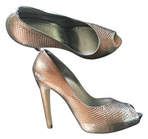 Salvatore Ferragamo bronze, metallic Pumps