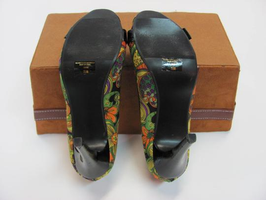 Sarah Jayne Size 7.50 M Very Good Condition Black, Green, Yellow, Purple, Peach Pumps