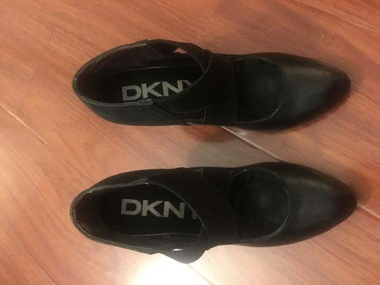 DKNY 6 Leather Suede Crisscross Strap Black Pumps