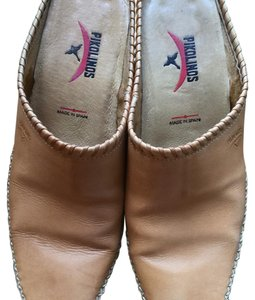 PIKOLINOS Light Tan Mules