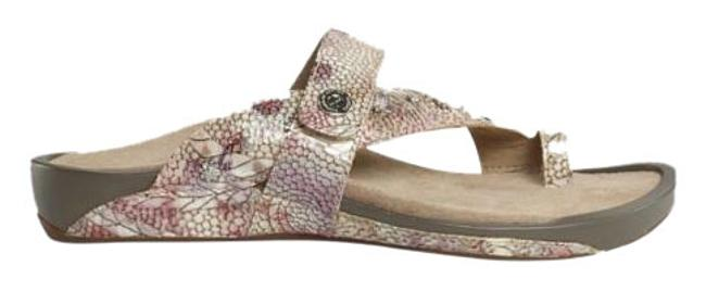 Item - Floral Kendra Sandals Size US 9 Regular (M, B)