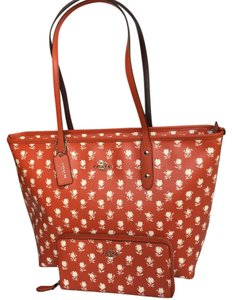 Coach Tote in Orange Carmine