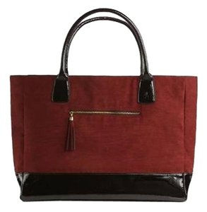 Oversized Tote in DSW BURGANDY BLACK FAUX PATENT SUEDE