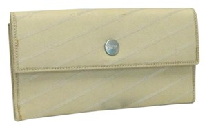 Gianfranco Ferre New Woman's Gianfranco FERRE Wallet Cream Color Retails $325!