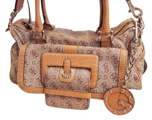 Guess Satchel in Tan Beige