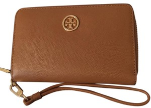 Tory Burch Wristlet in Tiger Eye