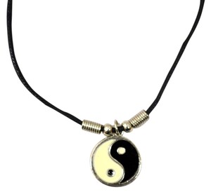 Unique Unique Yin Yang Necklace, Mens/Womens